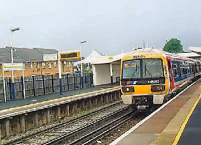 Train at Charlton Station