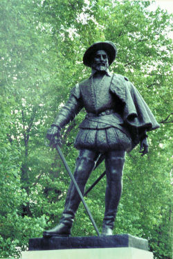Statue of Sir Walter Raleigh